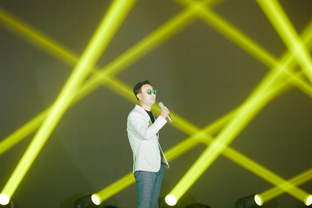 7.The most touching singing performance by our one-and-only CEO
